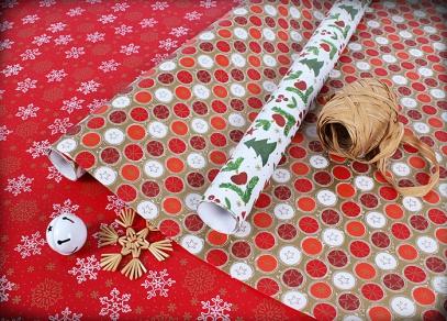 Vánoční nabídka balení - každý rok nové designy a velikost papíru 5 a 10 metrů