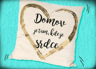 Jednoduchý vzor se zlatým srdcem a nápisem
