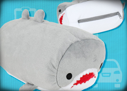 Plyšový polštář ve tvaru žraloka