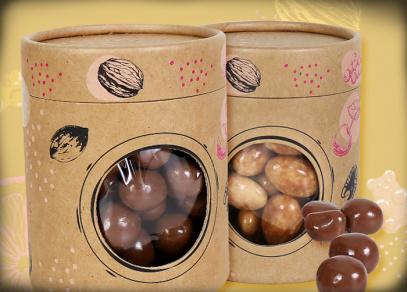 Ořechy a ovoce v dárkovém tubusu