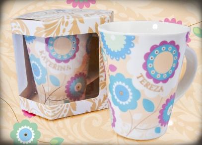Dokonale sladěné perleťové barvy, jemné detaily a zlatý potisk - DECO Hrnky se jménem pro ženy