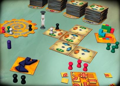 Rodinná hra Enigma obsahuje velké množství komponent...