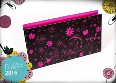 Oblíbený design s růžovými květy...