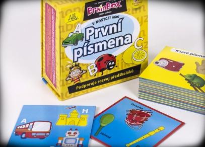 24 karet, které seznámí zábavnou formou děti s písmeny abecedy...