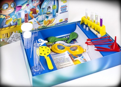 Sada obsahuje všechny potřebné bezpečnostní pomůcky, takže se dětem při pokusech nic nestane