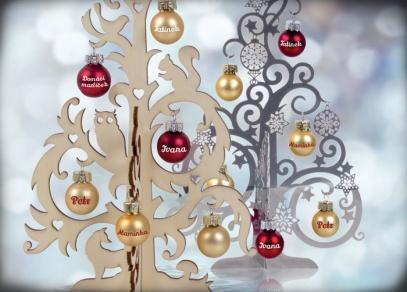Rodinný vánoční stromeček s ozdobičkami se jmény od ALBI