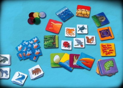 Cestovní verze hry Umí prase létat obsahuje 38 karet se zvířaty a 17 karet vlastností zvířat